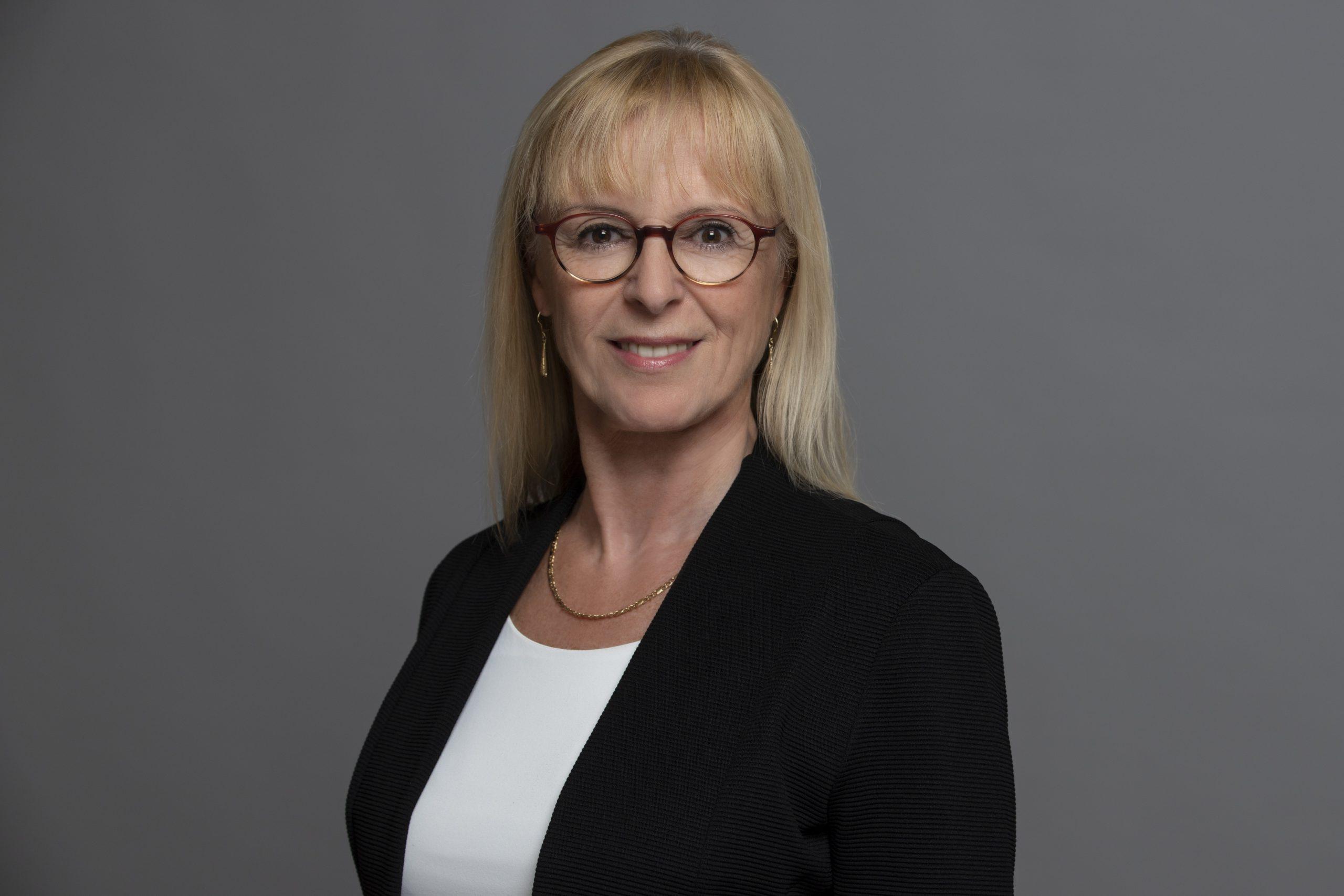 Monika Knieler, die erfahrene Anwältin